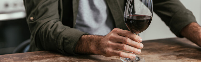 signs of alcohol dependence