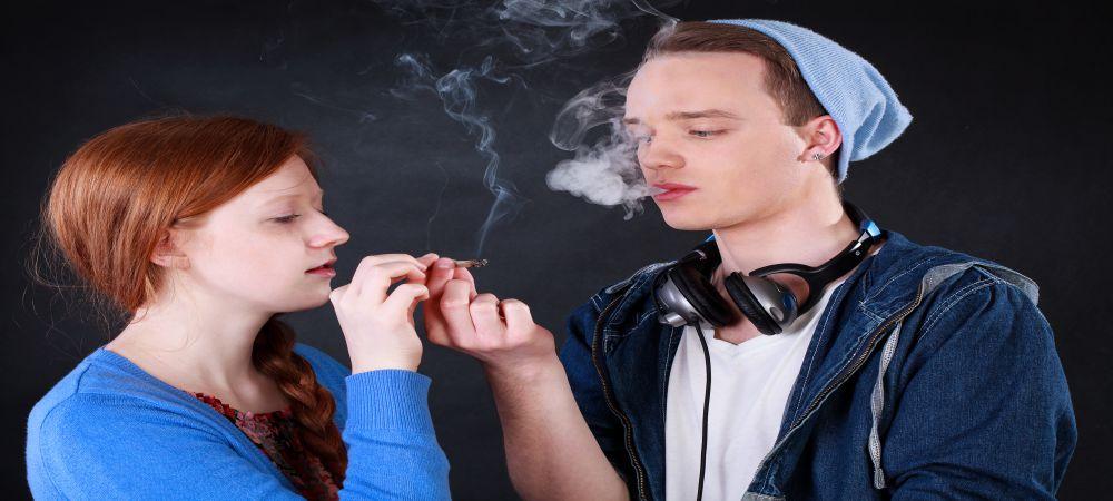 teenager use drugs
